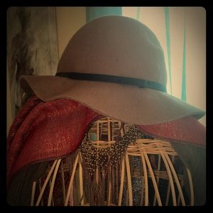 Accessories - Vintage inspired Penny Lane hat.