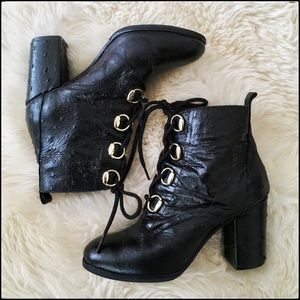 Glorious Lace-Up Heeled Leather Boots - 36