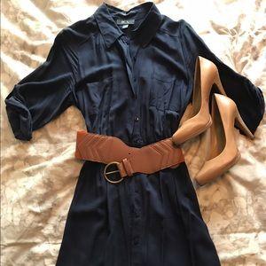 Dresses & Skirts - 💙🌷Adorable Shirt Dress🌷💙