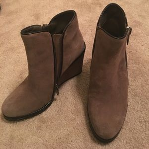 Vince Camuto Brown Suede Wedge Booties Size 8 1/2