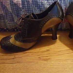 Bongo Shoes - Bongo Dark & Light Brown Wing Tip Oxford shoes.
