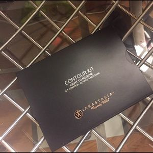Anastasia Beverly Hills Other - Contour Kit Anastasia Beverly Hills
