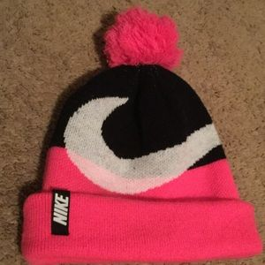 Nike Other - Nike girls winter hat