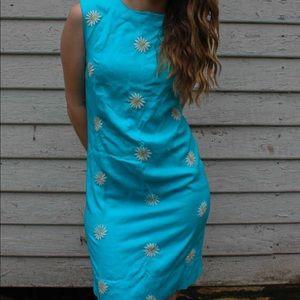 Vintage 1960's Blue Daisy Shift  dress Size 4