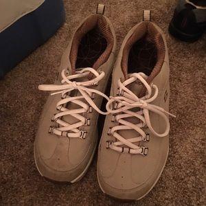 Sketchers Shape Ups sneakers size 9