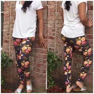Pants - Floral Brushed Print Leggings