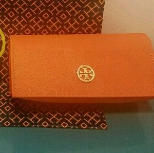 Authentic Tory Burch sunglasses case.
