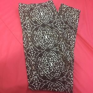 Leggings with a cute pattern.