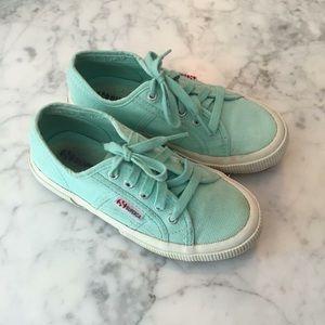 Superga Other - Girls Superga Sneaker