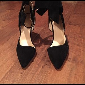 72f8151ffc1 Shoes - Similar to  Aminah Abdul Jillil Velvet Bow Pump