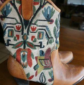 graziA Shoes - Grazia leather multi color embroidered boots