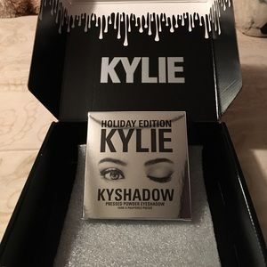 Kylie Cosmetics Other - Kylie Cosmetics Kyshadow Holiday Palette