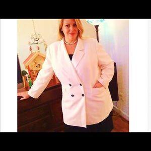Le Suit Jackets & Blazers - Le Suit White Jacket Black Skirt Size 22 Plus