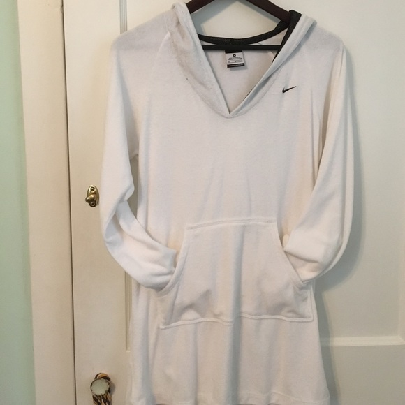 2d526819bb Nike beach cover up. M_58a1bd124127d0e39c0afc1f