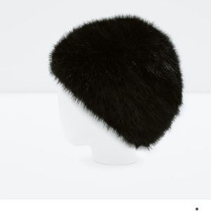 Zara faux fur hat