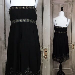 maggy london Dresses & Skirts - Magggy London 100% Silk Empire Waist Dress