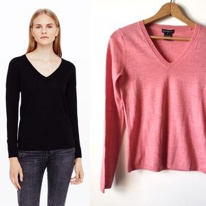 Club Monaco Sweaters - Club Monaco merino V-neck sweater
