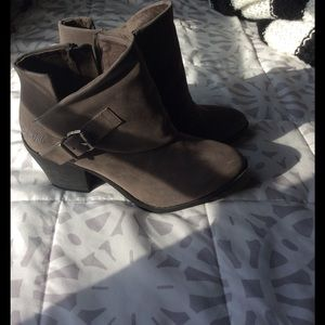 Blowfish Shoes - BRAND NEW booties