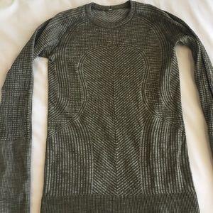 Lululemon Long Sleeve Size 6