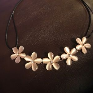 ROSE PINK FLORAL NECKLACE ~ CHOKER STYLE