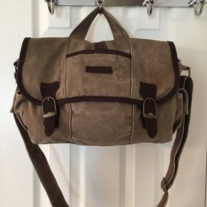 Kavu Handbags - 🛍 Kavu Brown Messenger Satchel Bag