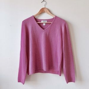 Bloomingdale's Sweaters - Vintage v neck cashmere sweater