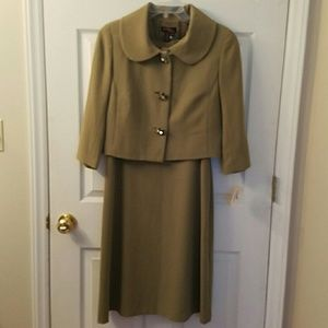 Cynthia Howie Dresses & Skirts - Cynthia Howie dress suit