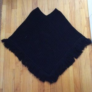 Sweaters - Black sweater poncho