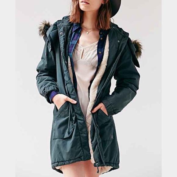969dc8a66f7 Numph X Urban Outfitters Rebecca Parka. M 58a22217c6c7953e110c54c6. Other  Jackets   Coats ...