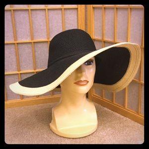 Two Tone Black & Tan Floppy Hat