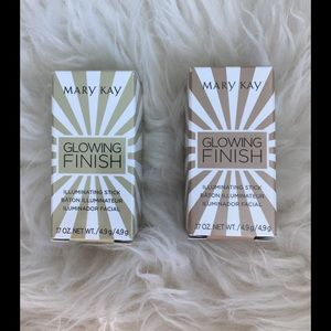 NEW❗️ Mary Kay Glowing Finish-set of TWO
