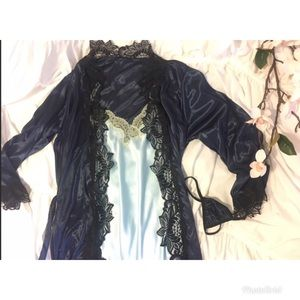 Other - ✨New✨ Sexy Satin & Lace Kimono and Thong