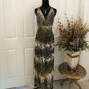 Dresses & Skirts - Maxi dress NWT generous loose stretched