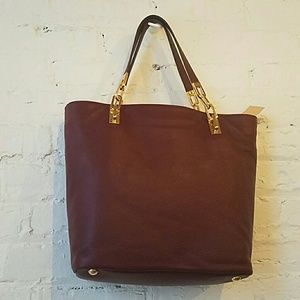 6c14a71af40db9 Michael Kors Bags - NWT Michael Kors Brooke Med Leather Tote in Merlot