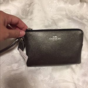 Coach Handbags - Coach corner zip wristlet