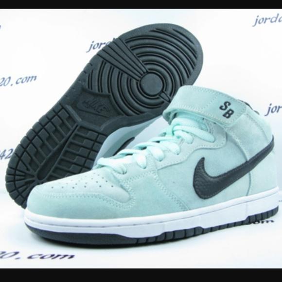 online retailer f847c 72def Nike SB dunk Sea Crystals mid premiums. M 58a24fe9eaf030ee8b0d00bf