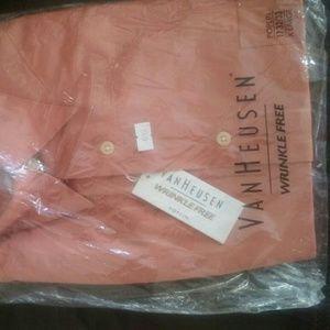NWT Van heusen poplin wrinkle free dress shirt.