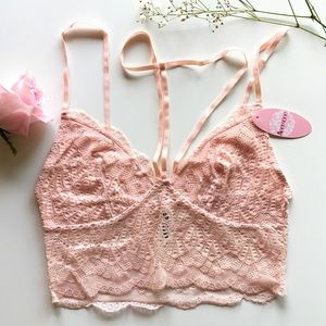 NWT Soft Pink Front T-Strap Lace Bralette