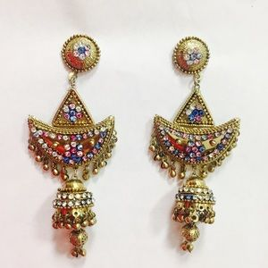 Jewelry - Gold party statement earrings