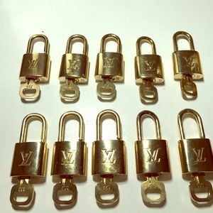 Louis Vuitton Accessories - Authentic Louis Vuitton gold LV lock and key set