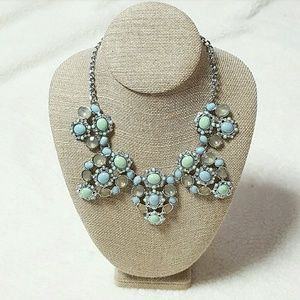 Lia Sophia Jewelry - FLASHSALE🎉Fondant necklace