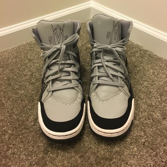 new style 8bd4d 1f61a Black   Gray Men s Adidas Mutombo Sz 12