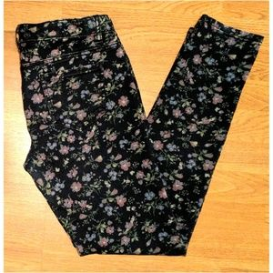Tinseltown Denim - 🌼Tinseltown skinny floral pants