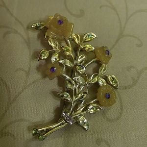 Accessory Collective Jewelry - (4for$20) Antique style brooch