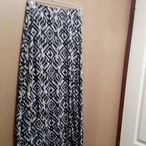 Dresses & Skirts - 💟Maxi skirt💟