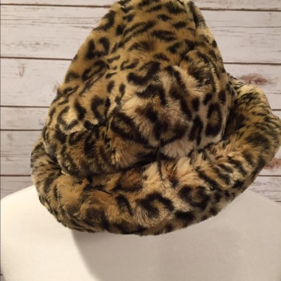 52584446 🌻Scala Leopard Faux Fur Hat. M_58a29f5a5a49d05fc40e62fb
