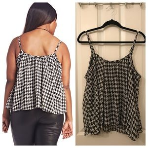 7141dab5e1873 Wet Seal Tops - Plus Size Houndstooth Tank Top