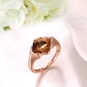 Jewelry - 3 for $21 sale! 🎲🎲🎲 Champagne rose gold ring