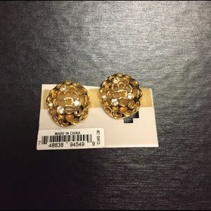 Jewelry - Vintage round honeycomb like CLIP earrings