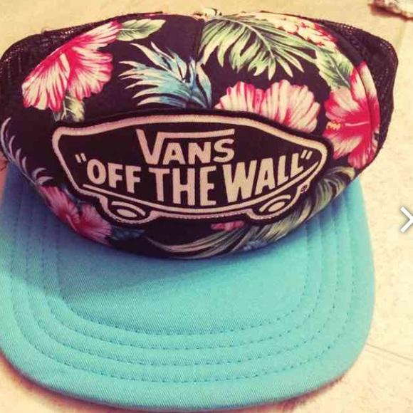 Vans Hawaiian SnapBack hat. M 58a2fb4b36d5942fdf0f36b8 301b7698599